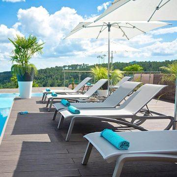 tumbonas-terraza-y-jardin-mestre-lleida