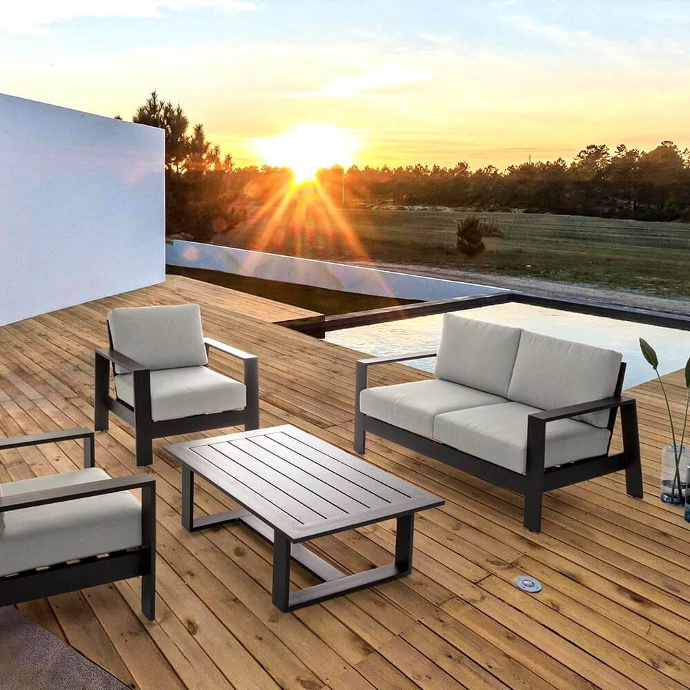 sofa-y-salon-terraza-y-jardin-mestre-lleida